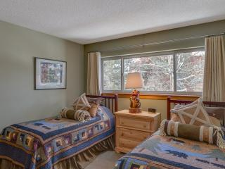 2 Bedroom, 2 Bathroom House in Breckenridge  (12E) - Breckenridge vacation rentals