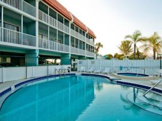 Beautiful 2 bedroom Anna Maria Island Condo with Internet Access - Anna Maria Island vacation rentals
