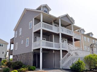 Hampton Colony 408 Oceanfront-B Lot! | Community Pool, Hot Tub, Internet, Game Equipment - North Topsail Beach vacation rentals