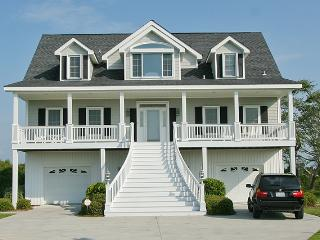 Mason Court 204 Oceanview! | Jacuzzi, Internet, Wedding Friendly, Fireplace - North Topsail Beach vacation rentals