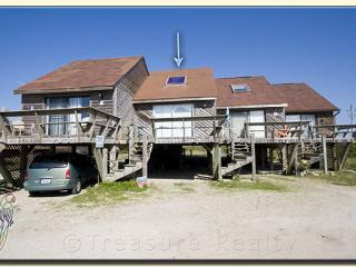 Topsail Villa 20 Oceanfront! | Beach Bungalow with easy beach access - North Topsail Beach vacation rentals