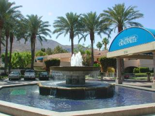 2 bedroom Condo with A/C in Palm Springs - Palm Springs vacation rentals