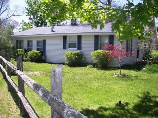 Charming 2 bedroom East Tawas House with Internet Access - East Tawas vacation rentals