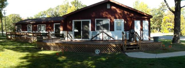 Surf Side #15 Cottage - Image 1 - Oscoda - rentals