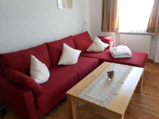 Vacation Apartment in Garmisch-Partenkirchen - 700 sqft, warm, comfortable, relaxing (# 2821) - Garmisch-Partenkirchen vacation rentals