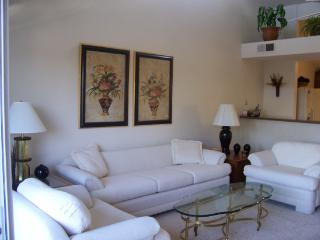 2 bedroom House with Microwave in Encinitas - Encinitas vacation rentals