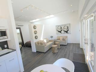 West Hollywood Luxurious Studio/1 bedroom  (4129) - Los Angeles vacation rentals