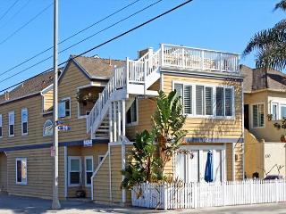 Renovated 3 Bedroom Condo! 1 Block from Sand! (68275) - Newport Beach vacation rentals
