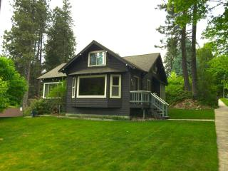 Lakeshore Drive Cottage with Lake and Park Views - Coeur d'Alene vacation rentals
