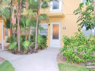 Charming condo in Olde Naples just 3 blocks from the beach. 90 day minimum - Naples vacation rentals