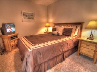 CM212AB Copper Mountain Inn Two Room Suite - Center Village - Copper Mountain vacation rentals