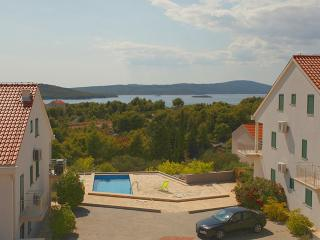 Gorgeous apartment for rent, Milna, Brac, apt. 7 - Cove Makarac (Milna) vacation rentals