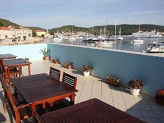 Seaside studio apartments for rent, Vis island - Cove Rogacic vacation rentals