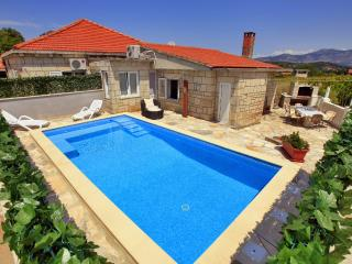 House with pool for rent, Zrnovo, Korcula - Cove Tri Zala (Zrnovo) vacation rentals
