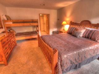 CM217H Copper Mtn Inn Hotel Rm - Center Village - Copper Mountain vacation rentals