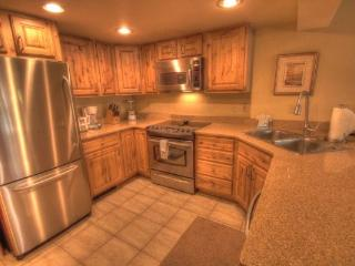CM244 Copper Mountain Inn 1BR 2BA - Center Village - Copper Mountain vacation rentals