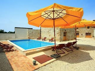 ATTRACTIVE HOLIDAY VILLA - Croatia vacation rentals