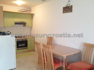 HOLIDAY APARTMENT SOLTA ISLAND - Stomorska vacation rentals