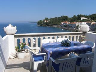 SEA FRONT HOLIDAY HOUSE KORCULA RACISCE - Loviste vacation rentals