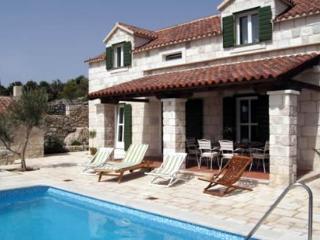 3 bedroom Villa with Internet Access in Trogir - Trogir vacation rentals