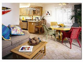 1 bdrm on a true oceanfront prop.- private access to the beach. - Laguna Beach vacation rentals