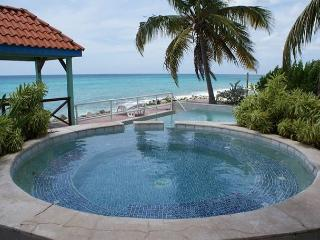 Il Punto Blu: 3 bedroom on the beach in Pelican Key | Island Properties - Saint Martin-Sint Maarten vacation rentals