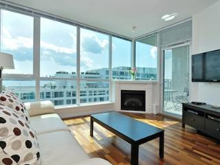 North Vancouver 1 Bedroom  Ocean View Condo Close to All Amenities - North Vancouver vacation rentals
