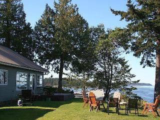 3 Bedorom Denman Island Ocean Front Vacation Home With Incredible View - Denman Island vacation rentals