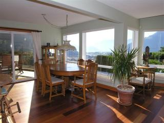 Amazing 3 Bedroom Squamish Home Offering Spectacular Views of Howe Sound - Vancouver vacation rentals