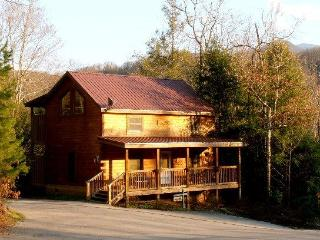 SPECIAL, COZY 2BD/2BA CABIN in GREAT LOCATION - Gatlinburg vacation rentals