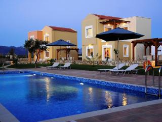 2 bed villa in Crete with pool and free internet - Gerani vacation rentals