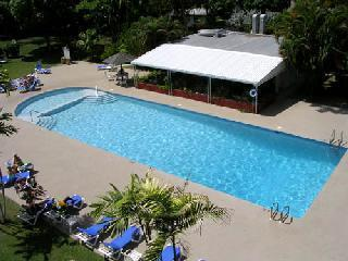 Golden View apartment, beach, swimming pool, - Holetown vacation rentals
