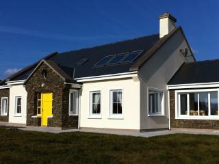 Top Rated Irish Cottage in Kerry, The Gathering - Cahersiveen vacation rentals