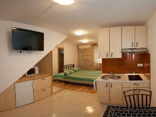 Apartment Jadro 1 - Split vacation rentals