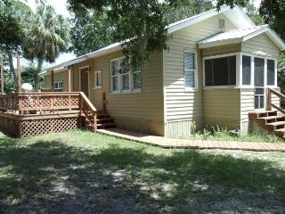 Cozy & Comfortable House Near Gulf of Mexico - Yankeetown vacation rentals