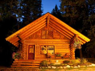Log Cabin Retreat - a handcrafted Work of Love - Sagle vacation rentals