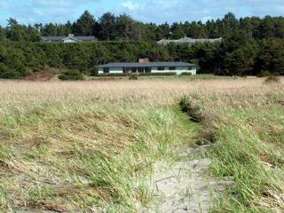 4 Bedroom 3 bathroom Ocean Front - Near Gearhart - Warrenton vacation rentals