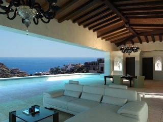 Bright 7 bedroom Villa in Cabo San Lucas - Cabo San Lucas vacation rentals
