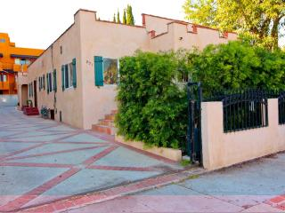 Hollywood-Melrose Area Apartment - Gated Parking - Los Angeles vacation rentals