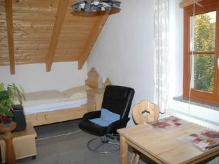 Vacation Apartment in Dachau - 215 sqft, modern, peaceful, comfortable (# 3506) - Eisenhofen vacation rentals