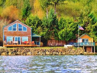 Giggle Fish Beachfront Cabin + Guest Boathouse (fully-fenced) + **2 Kayaks - Tahuya vacation rentals