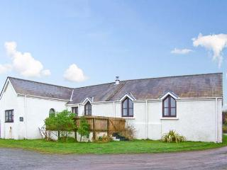THE FORGE, all ground floor, family-friendly, close to coast in St. Ishmaels, Ref 18889 - Pembrokeshire vacation rentals