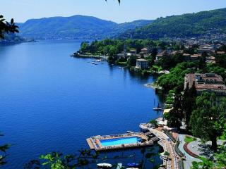 EXQUISITE  VILLA ELIKA -  COMO CENTRO  PENTHOUSE - Sleeps 5 - 2BD/ 2BA- VIEWS - Como vacation rentals