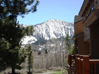 Mammoth remodeled loft condo close to town, slopes - Mammoth Lakes vacation rentals
