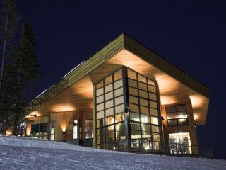 Crescendo at Big White:  an Executive Rental of Unparalleled Excellence - Big White vacation rentals
