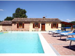 Il Villino di Cortona (Property at exclusive use) - Cortona vacation rentals