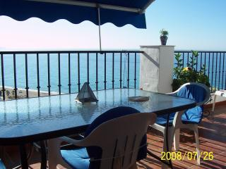 """El ranchito""NerjaMarvellous sea sights over Burriana beach.Free WIFI.last moment offers! - Nerja vacation rentals"