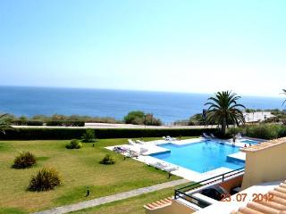 Ocean View I -Cascais 3-Bedroom all w/ Ocean View - Cascais vacation rentals