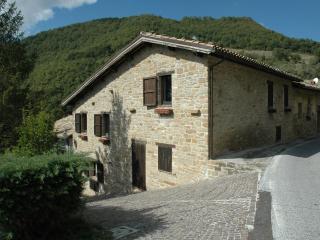 Antique hayloft -National Park Monti Sibillini - Marche vacation rentals