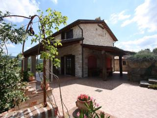 Private Villa,6 sleeps, pool, hill view, Le Marche - Marche vacation rentals